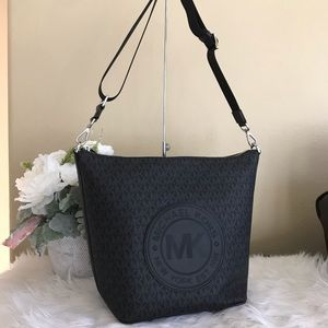 Michael Kors Large Fulton sport black messager bag